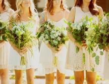 bridesmaids-bouquets