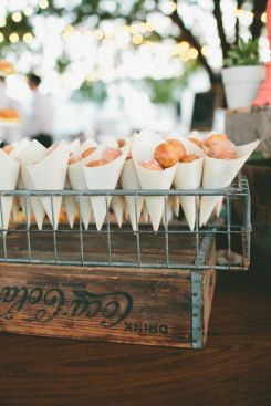 donut-holes-brunch-wedding