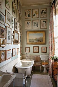 gallery-wall-bathroom