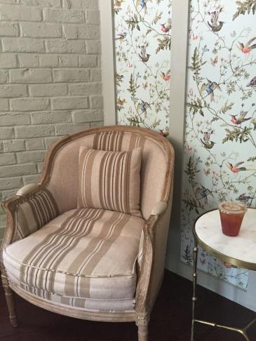 rustic-chair-wallpaper