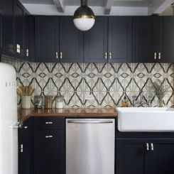 navy-cabinet-kitchen