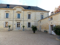 Château Siaurac also serves as a bed and breakfast. Wish we had known that before!