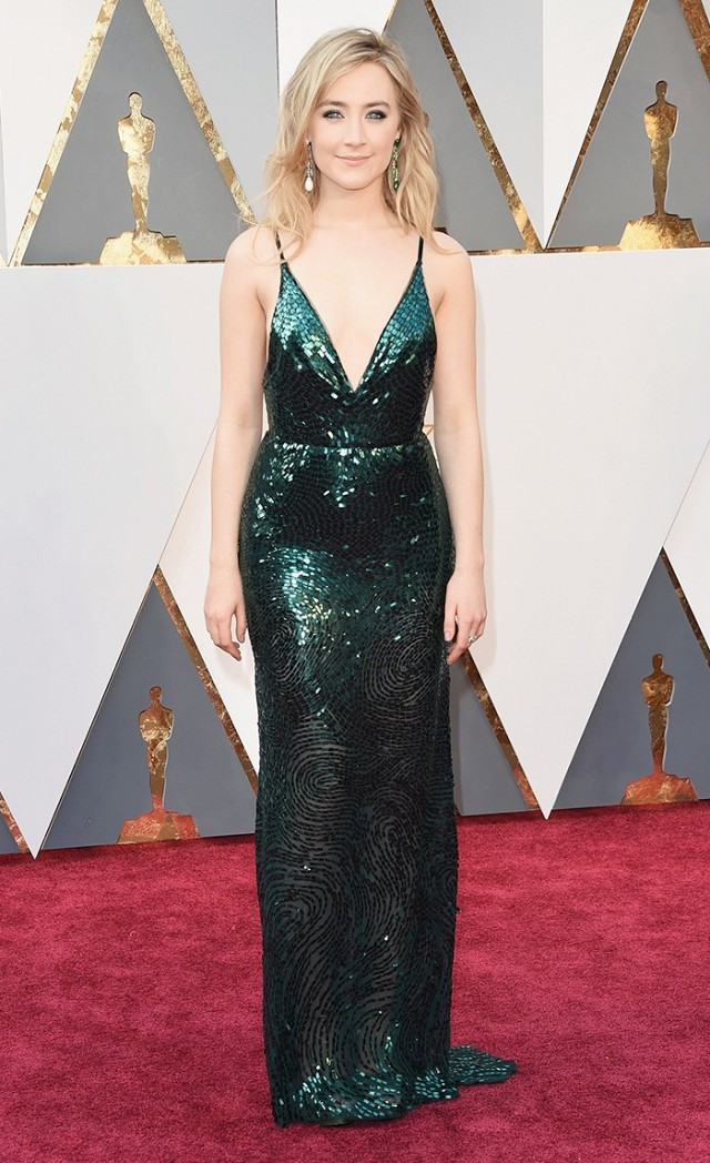 Saoirse-Ronan-Oscars-Red-Carpet-2016